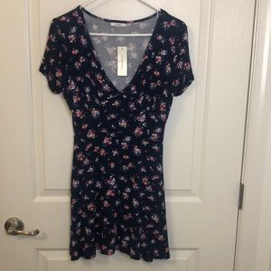 FLORAL DRESS SIZE SMALL (big girl)